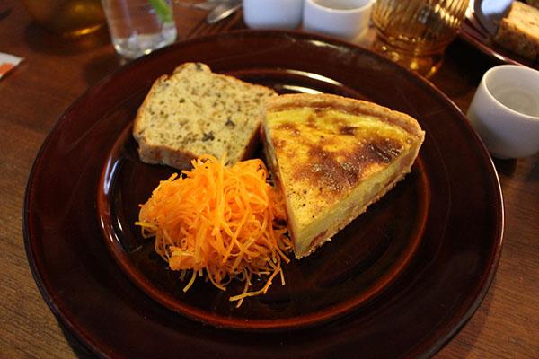 フランス惣菜と日本酒