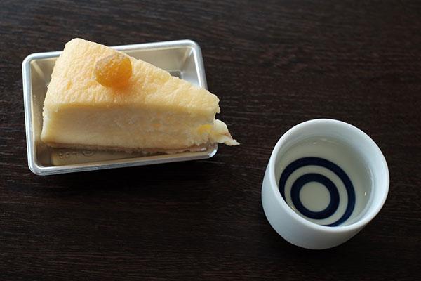 「ほおずき風味 チーズケーキ」と「大江山 鬼退治原酒(谷口酒造)」丹後地酒まつり2016