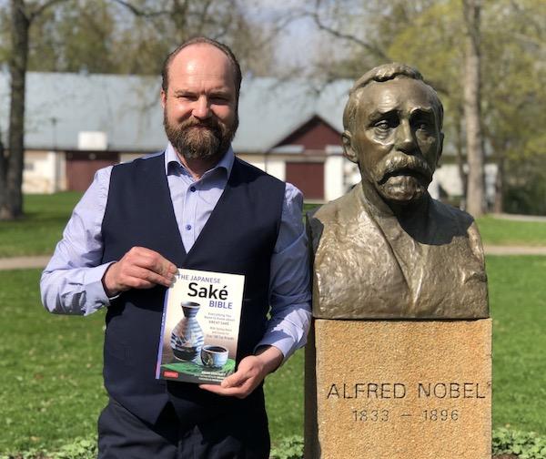 _s-Agorelius-with-sake-bible