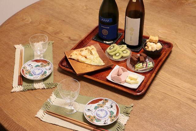 新政 瑠璃(ラピス)、亜麻猫(アマネコ)と料理