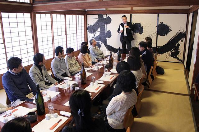日本酒レッスンで話す田島さん