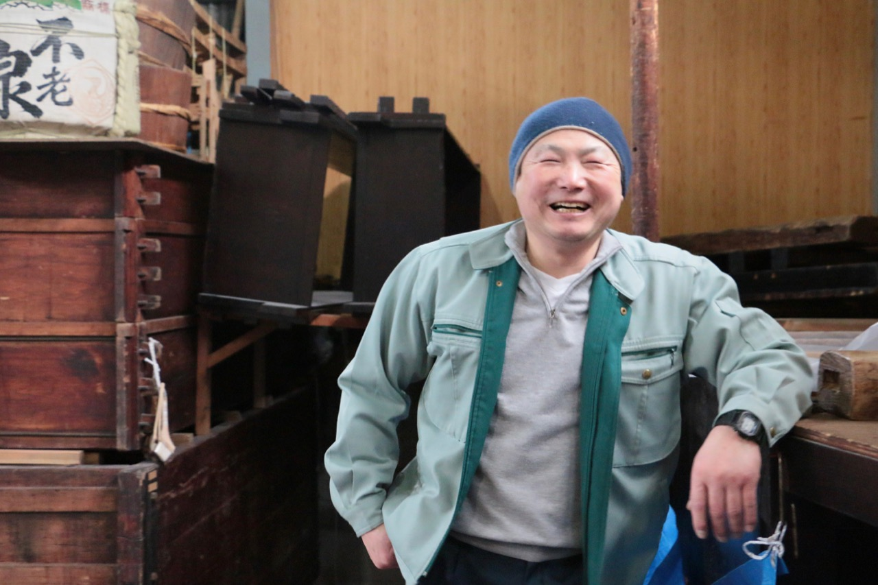 1.  酒蔵に湧いている水が原点|不老泉 上原酒造杜氏・横坂安男さんインタビュー